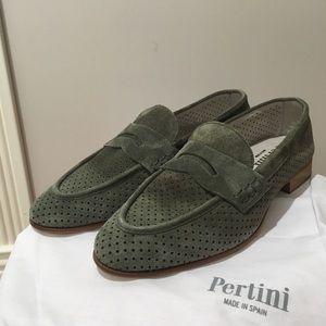 NWT PERTINI Cedre Militare Loafers in size 38